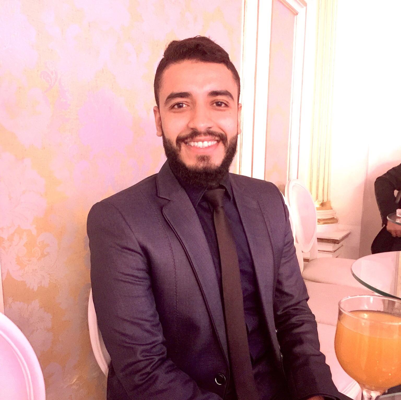 دكتور مصطفى حسن